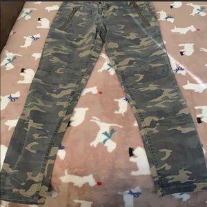 Pants - Camo skinny pants like new S